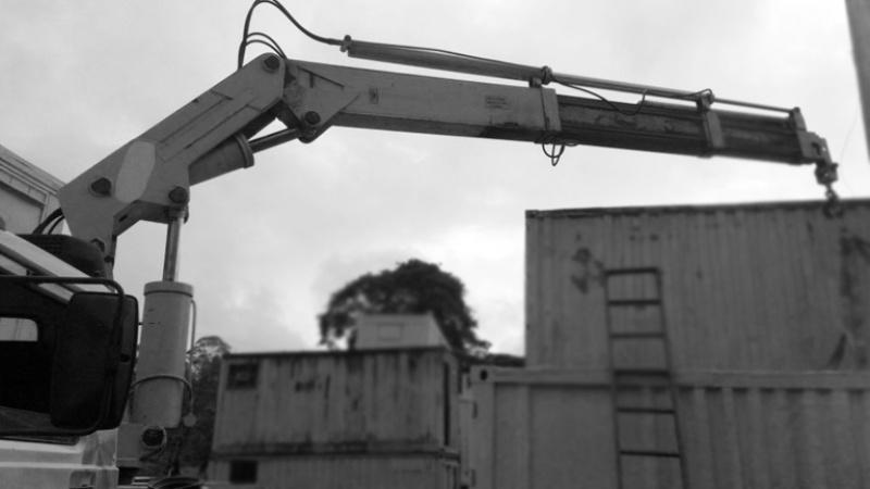 Serviço de Caminhão Articulado para Içamento de Container Pari - Caminhão Carga para Içamento de Container